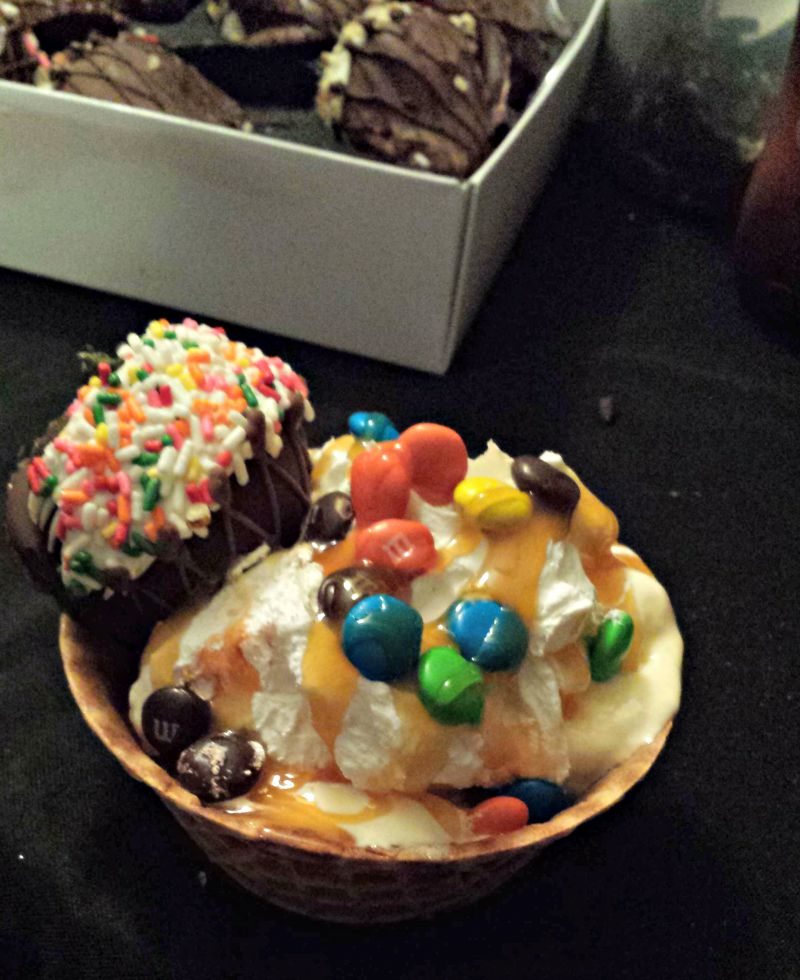 Ice Cream Sundae Bar Creations