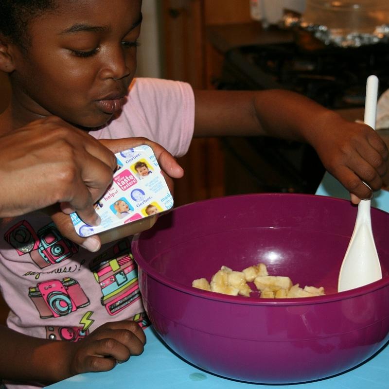 Banana Nut Bread: Mashing Bananas #CookingWithGerber